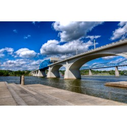 Market Bridge Vivid