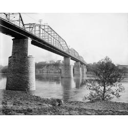 Walnut Street Bridge 1907